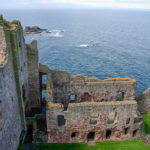Tantallon_Castle,_ruined
